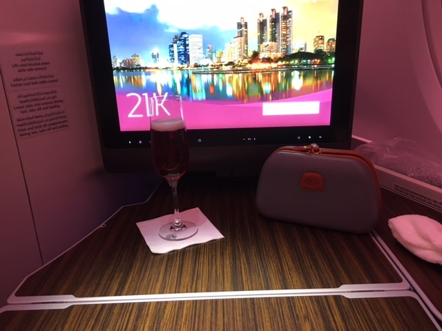 Qatar Airways A380 Business Class Tisch