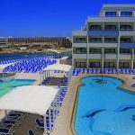 September: 7-night B&B stay in 4* beachfront hotel in Malta + flights from London for just £178!