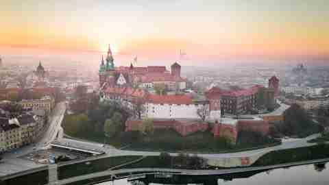 river sun city sunrise castle castles poland wawel poland krakow t20 Zxnyak scaled 1