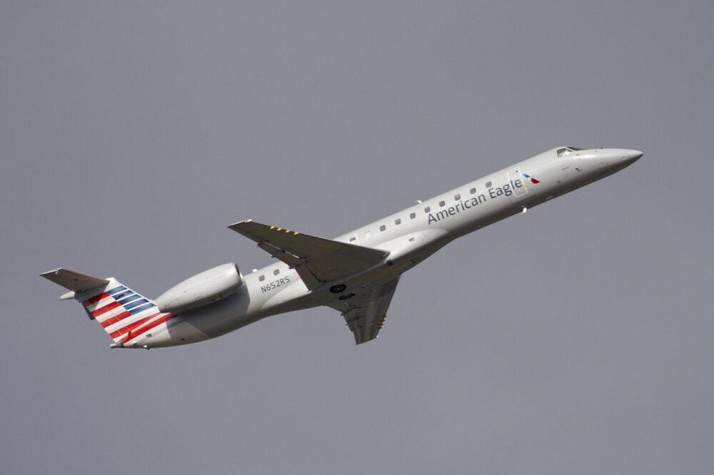 1280px American Eagle Embraer ERJ 145 N652RS 1000x666 1