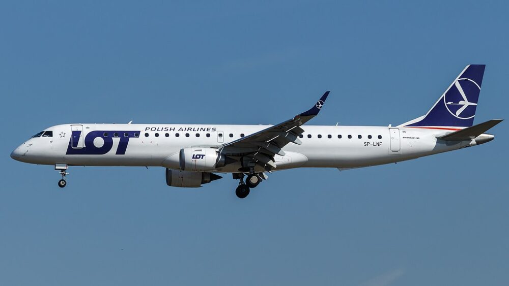 1280px LOT   Polish Airlines Embraer ERJ 195LR SP LNF at Frankfurt Airport 1000x563 1
