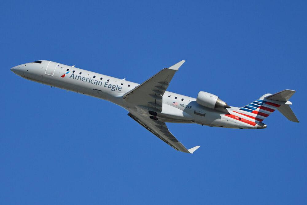 1280px Bombardier CRJ 700 N510AE American Eagle 14200765433 1000x666 1