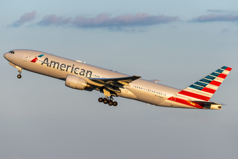 American Airlines Boeing 777 223ER N794AN 1 1000x667 1