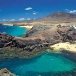 easyJet launches new routes and resumes holidays to the Canary Islands