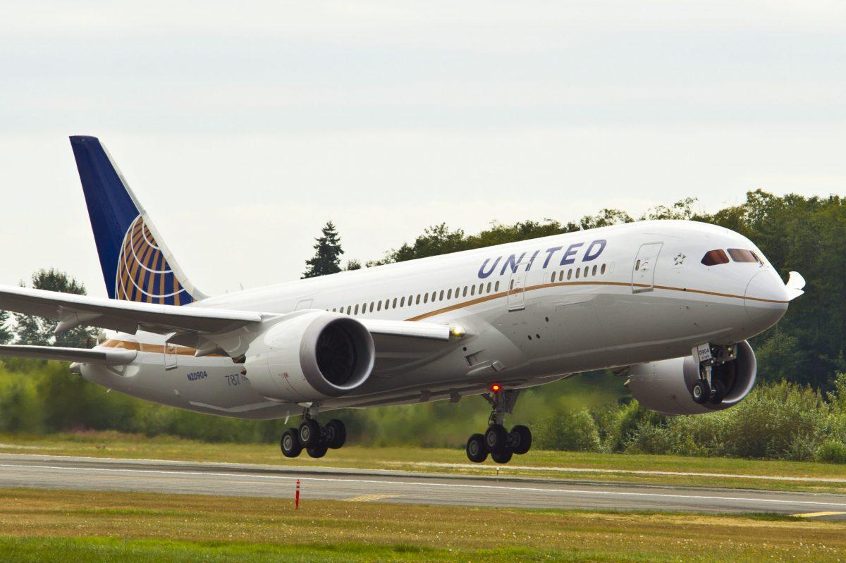 United 787 9 scaled 1