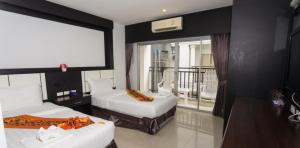 star hotel patong 300x148 1